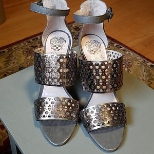 Vince Camuto size 7.5 silver perforated sandal